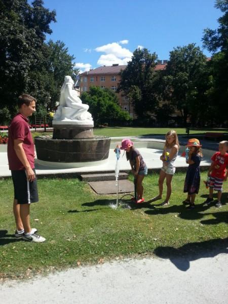 Junge Uni on Tour, Wasserraketen Start