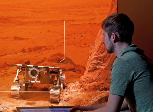 """Auch ein Model des Mars-Rover """"Pathfinder"""" ist in der Weltraumhalle des Haus der Naturs zu sehen. (c) HdN – Kressel"""