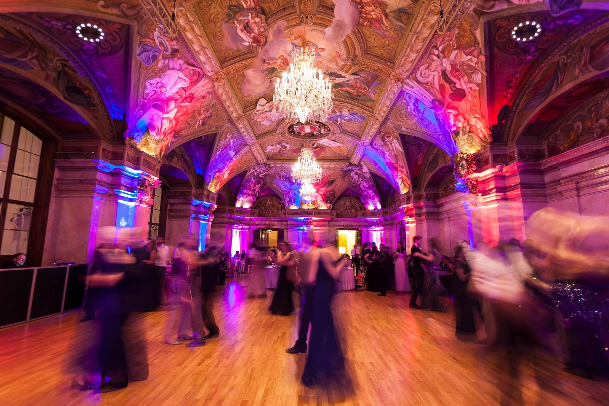 Erster Österreichischer Weltraumball: Eine Tanznacht der besonderen Art