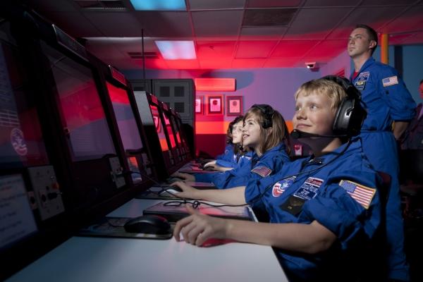 Astronautentraining für Jugendliche in den USA zu gewinnen