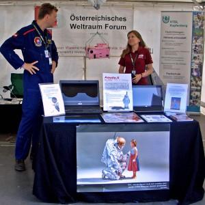 N. Frischauf & D. Scheer beim ÖWF Stand Airpower 2011