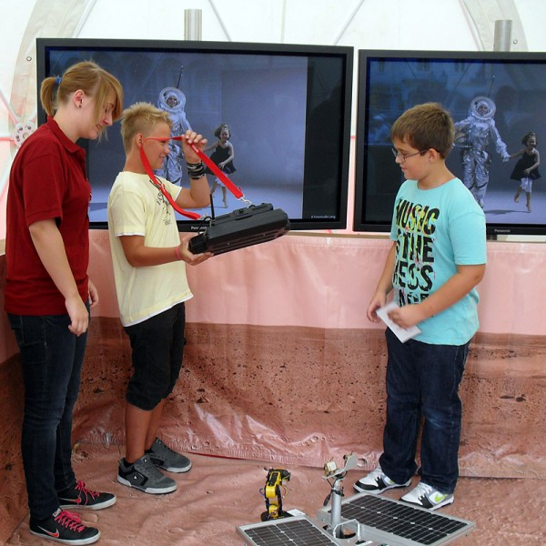 Im Kuppelzelt konnt man den ÖWF Mars Rover Dignity steuern