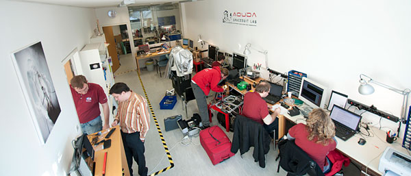 Elektronik Arbeitsbereich im Spacesuit Lab