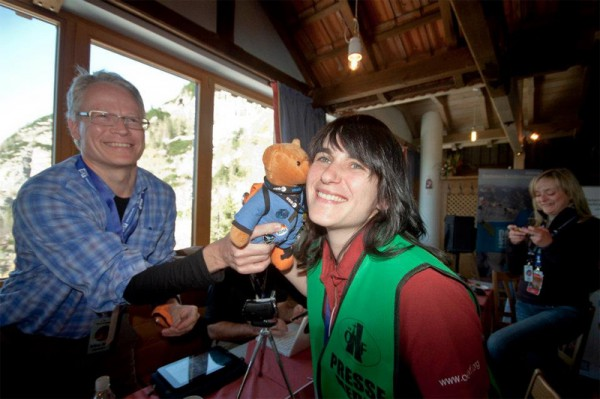 SpaceHuggie is thanking me for organizing #marstweetup (c) @martincco