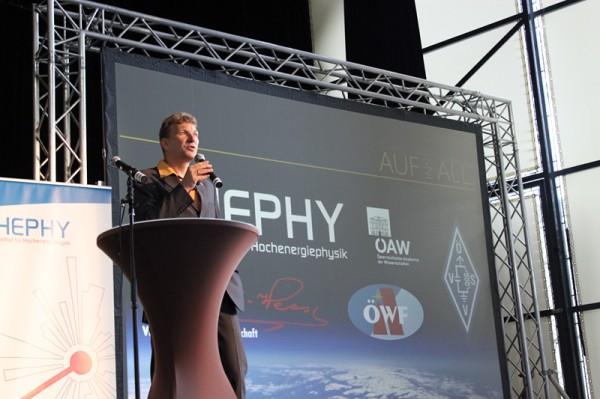 Norbert Frischauf moderates the event