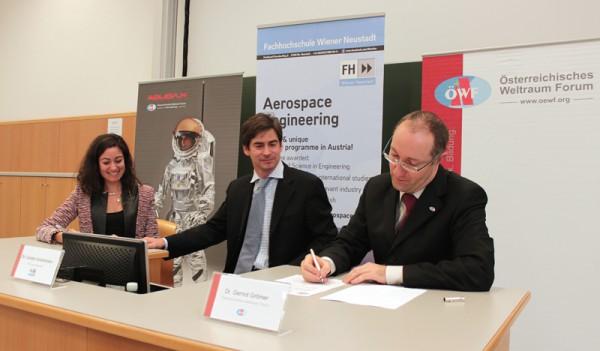Andrea Jaime, SGAC (left), Carsten Scharlemann, FH Wiener Neustadt (middle), Gernot Groemer, OeWF (right)