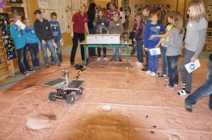 Die Marslandschaft mit Rover