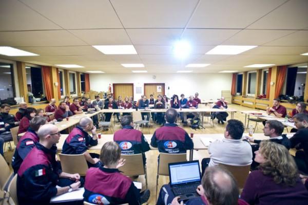 Demokratische Verhandlungen zur Festlegung interner Abläufe. (c) OEWF (Katja Zanella-Kux)