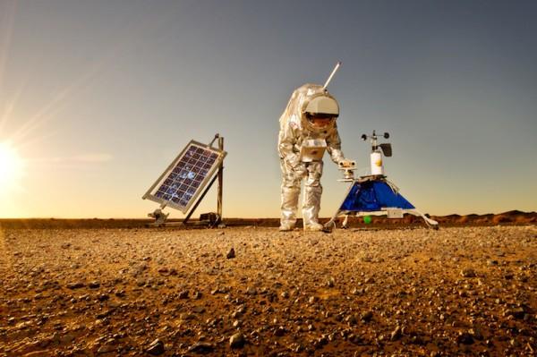 The Hunveyor robot, with attached solar panels on left. (c) OeWF (Katja Zanella-Kux)