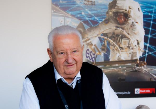 Professor Doctor Walter Kühnegger Kühnegger