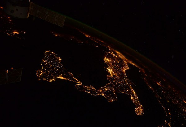 Light pollution in Italy seen from the ISS (c) NASA/ESA