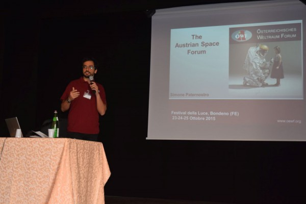 OeWF member Simone Paternostro while presenting the Austrian Space Forum and the PolAres Project (c) Rodolfo Calanca