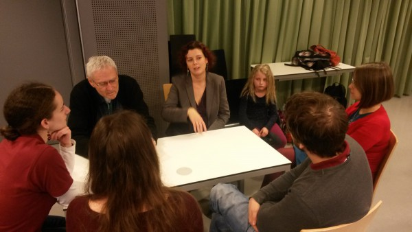 Speedating table with Prof. Dr. Moissl-Eichinger