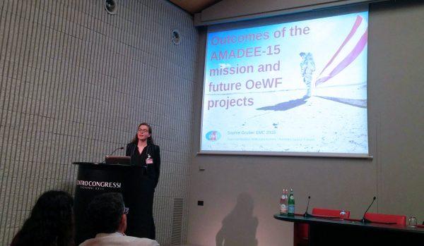 Sophie Gruber während ihres Vortrags in Bergamo (c) Association Planète Mars