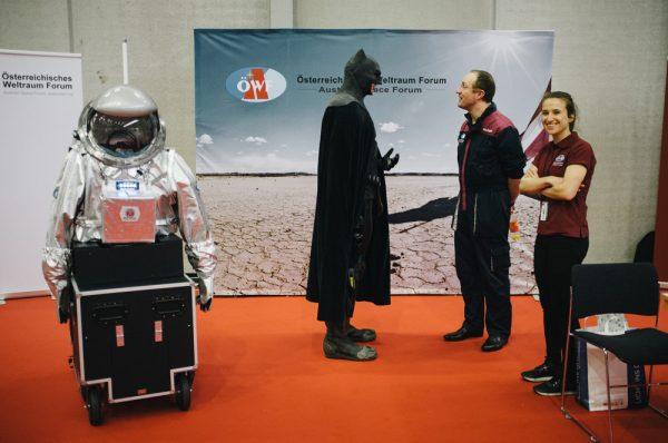 Im Gespräch mit Batman (c) ÖWF (Florian Voggeneder)