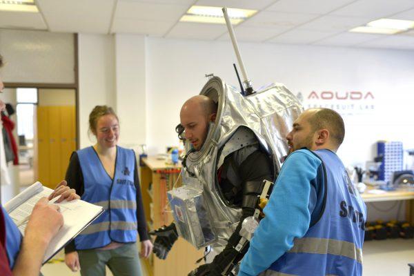 Analog astronaut Luca Foresta testing the exoskeleton (c) OeWF