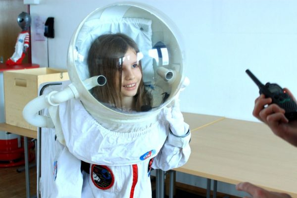 Teacher training: Children spacesuit as student activity