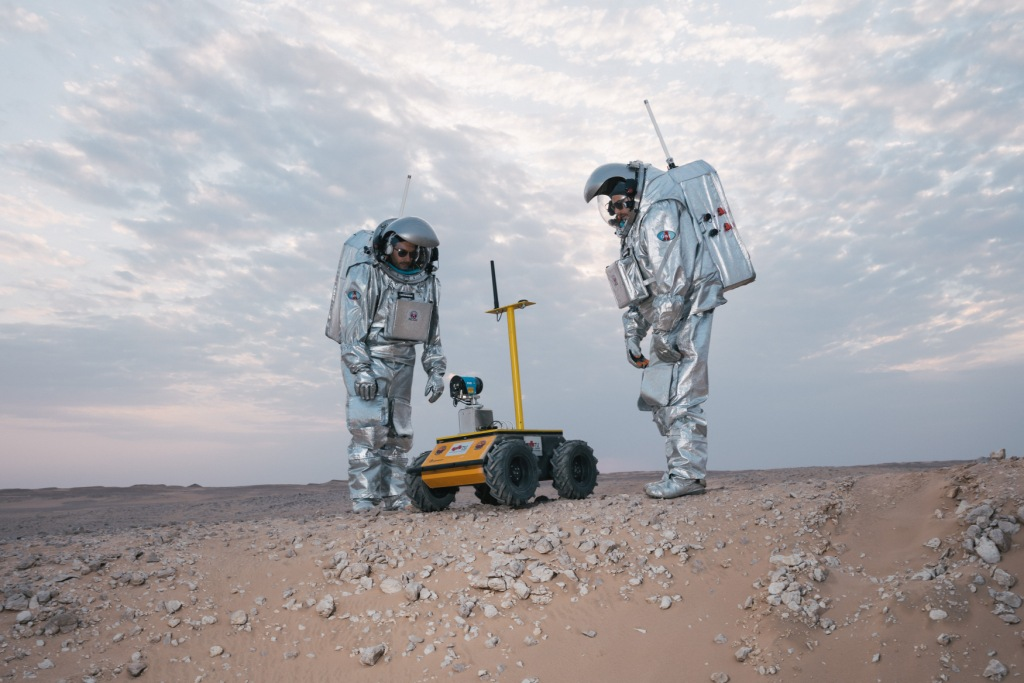 Analog Astronauts with Husky Rover. Photo: (c) OeWF (Florian Voggeneder).
