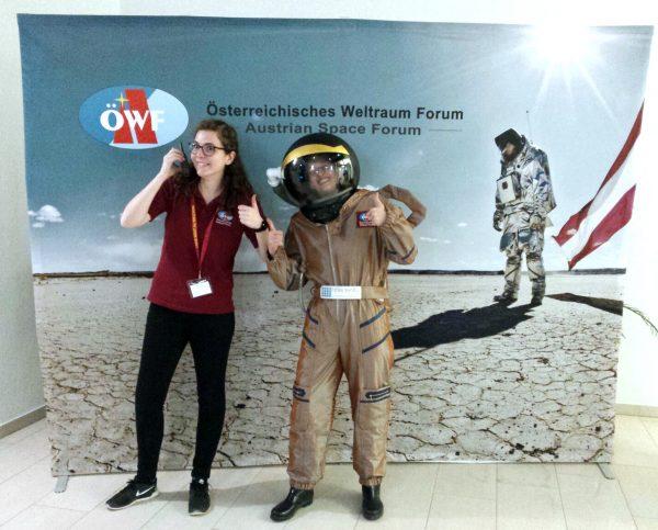 Sophie Gruber mit ÖWF Mitglied Claudia Stix.