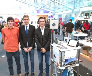 AMADEE-18 Junior Researchers Team EOS in Wien mit ihrem Experiment (c) EOS