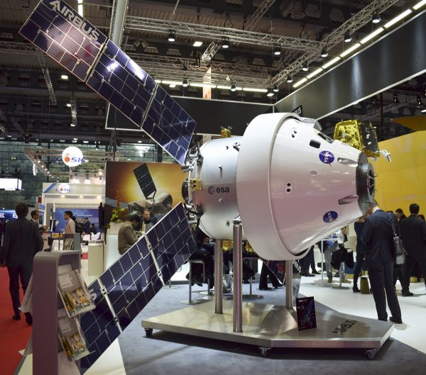 Orion with the ESA/Airbus service module
