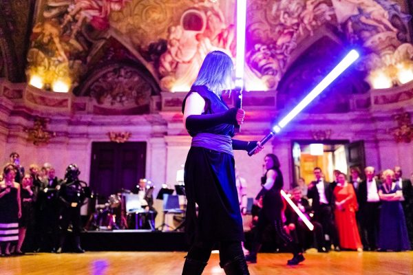 The evening featured an epic light saber battle. (c) OeWF/Philipp Hager