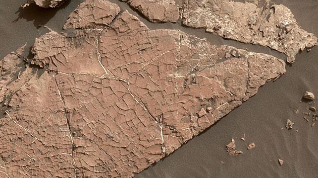 Curiosity-Rover liefert Hinweise auf einstige Salzteiche und -seen auf dem Mars