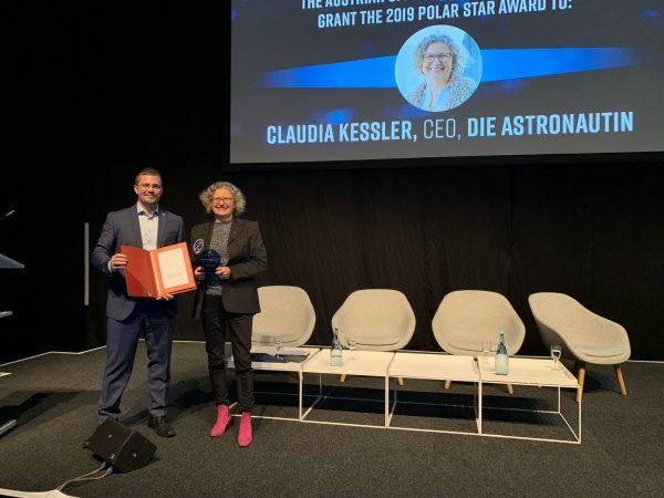 ÖWF-Vorstandsmitglied Reinhard Tlustos und Preisträgerin Claudia Kessler bei Preisverleihung in Bremen
