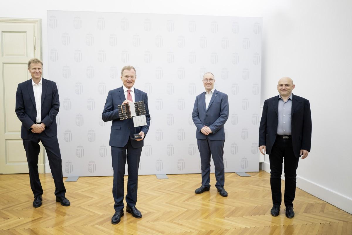 from left: Christian Federspiel, CEO Findus Venture, Landeshauptmann Thomas Stelzer, Gernot Grömer, Director ÖWF and Peter Platzer, CEO Spire Gobal.