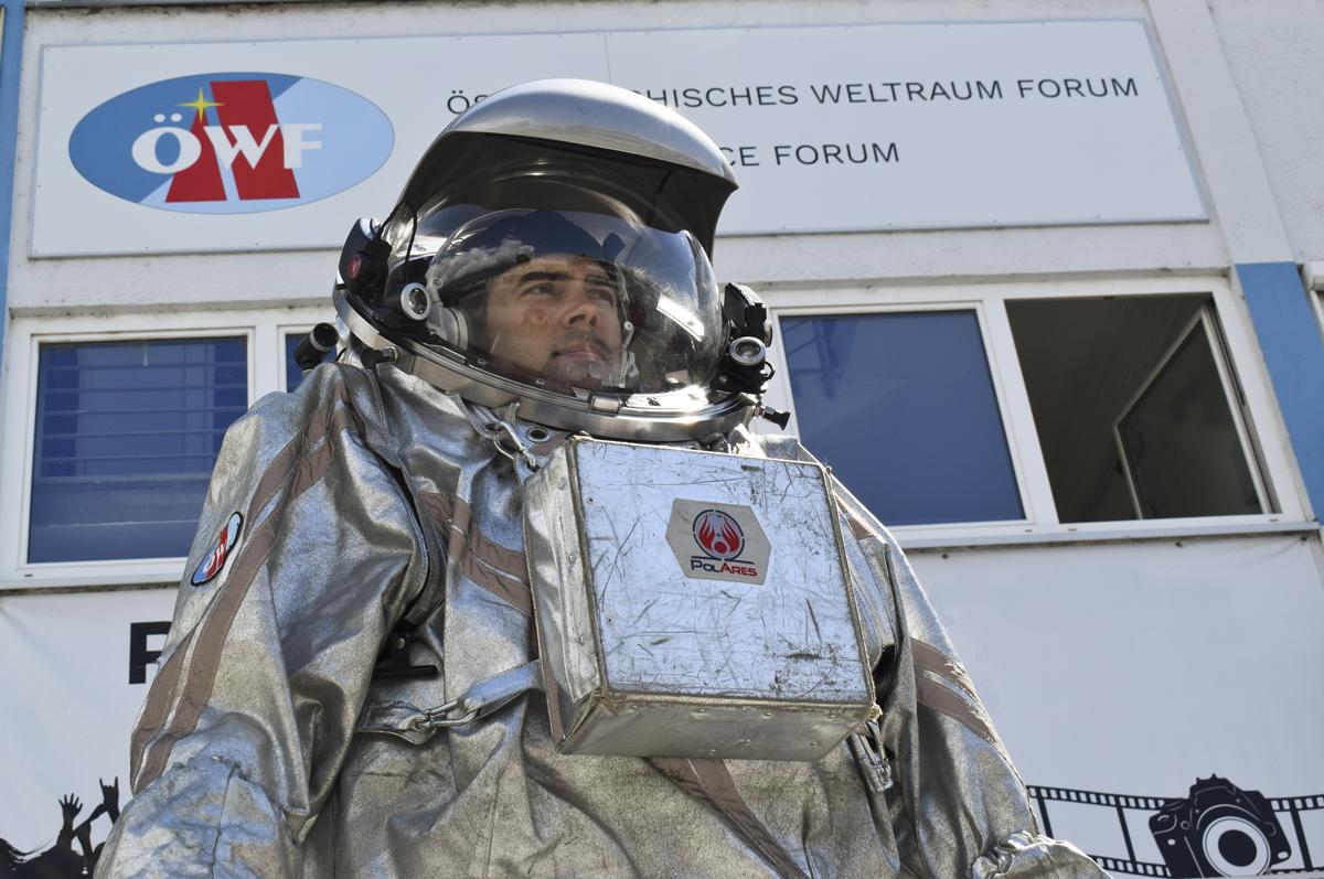 Analog astronaut Dr. Robert Wild in front of the ÖWF office in Innsbruck.